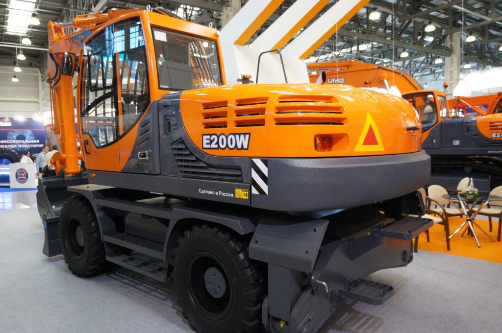 колесный экскаватор E200W